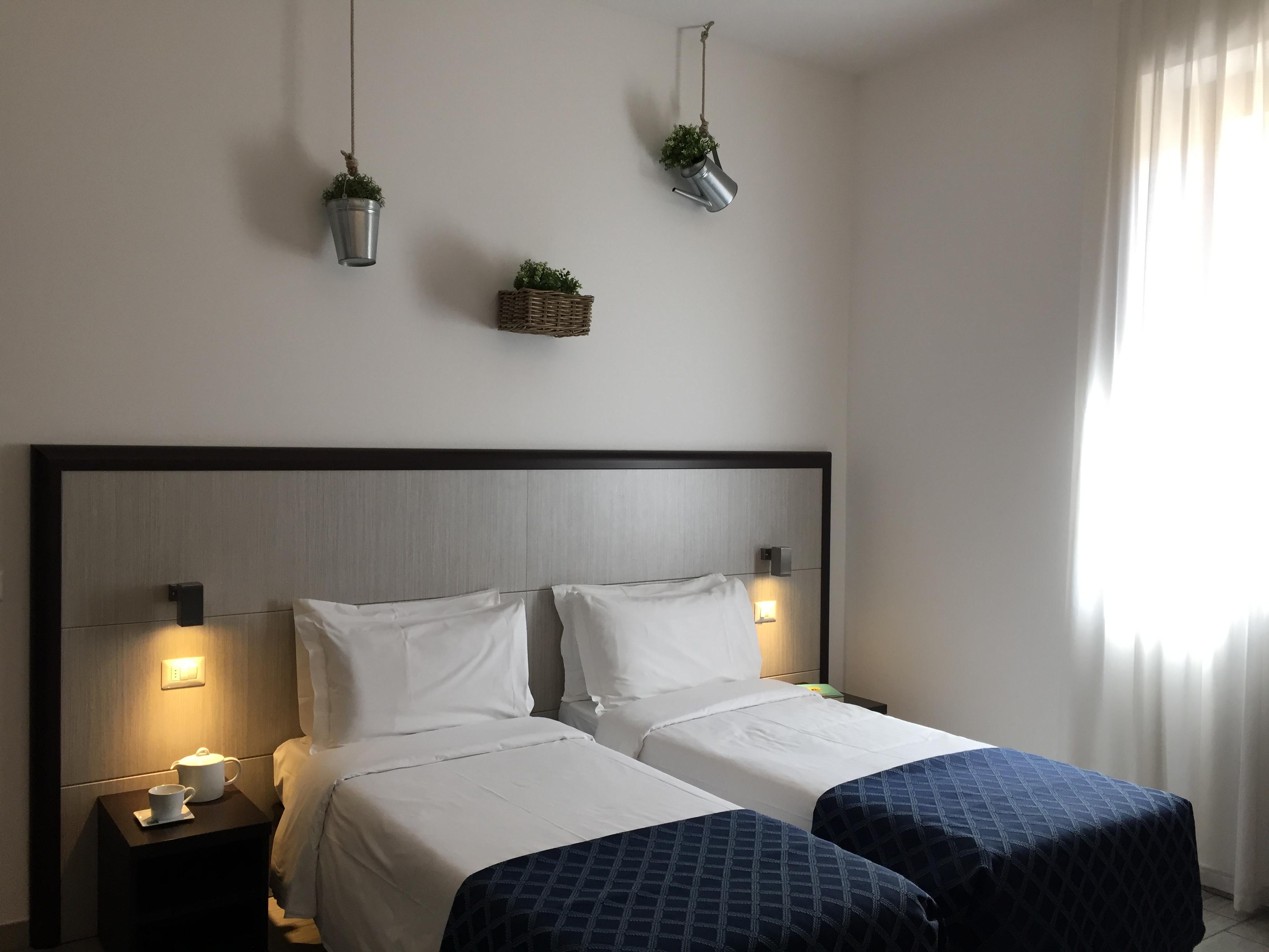 Camera matrimoniale/doppia con letti singoli – Esco Hotel